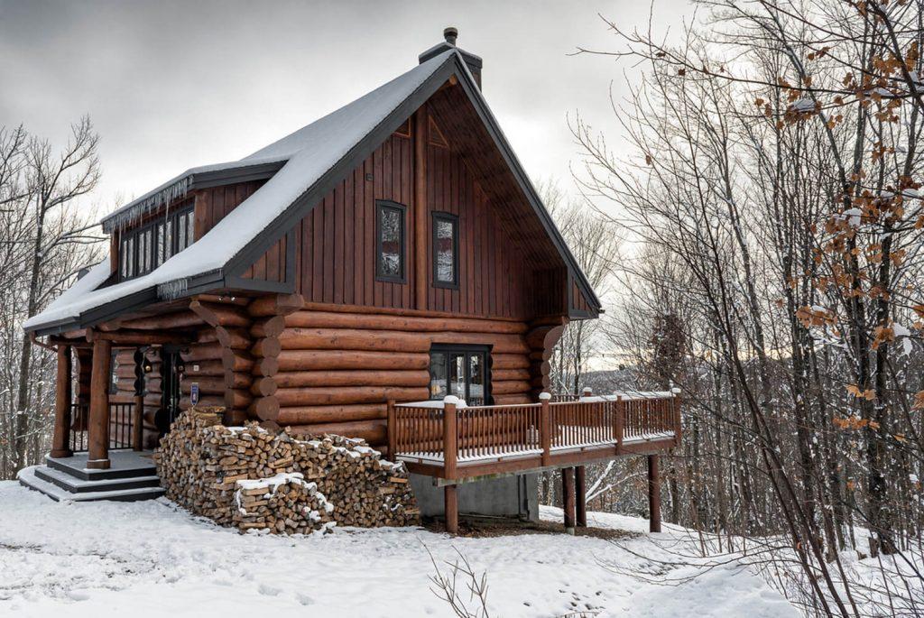 Scandinavian log cabin chalets rentals c t nord tremblant for Laurentian mountains cabin rental