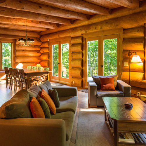 scandinavian_log_cabin_chalets_rentals_cote_nord_tremblant_dining_room