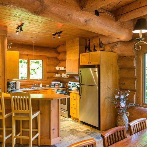 scandinavian_log_cabin_chalets_rentals_cote_nord_tremblant_kitchen