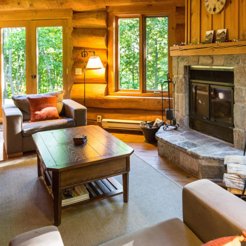 scandinavian_log_cabin_chalets_rentals_cote_nord_tremblant_living_room_01