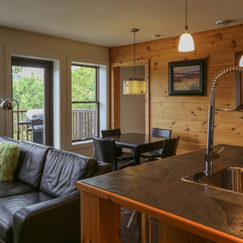 Condo - Chalets rentals - Côté Nord Tremblant - Kitchen and Living room